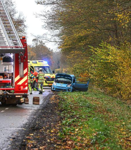 Automobiliste (26) uit Lelystad komt om het leven bij ongeval in Rutten
