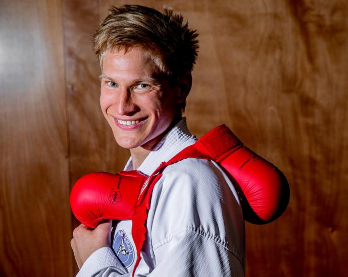 René Smaal staat voor zijn laatste wedstrijdgevecht als karateka.