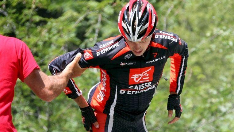 Arnaud Coyot stortte tijdens de Tour van 2008 in een ravijn. Beeld epa
