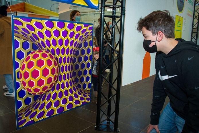 """Exposition """"Illusions"""" à la Cité Miroir, à Liège."""