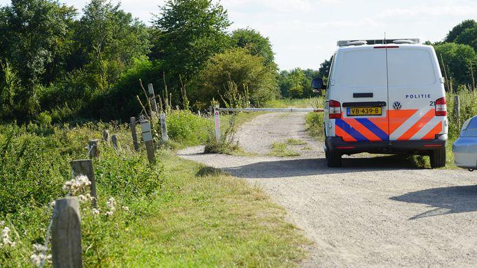 De 18-jarige vermiste vrouw werd gezocht in de buurt van de Douwelerkolk in Deventer.