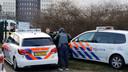 De politie is massaal aanwezig rondom het station van Zwolle.