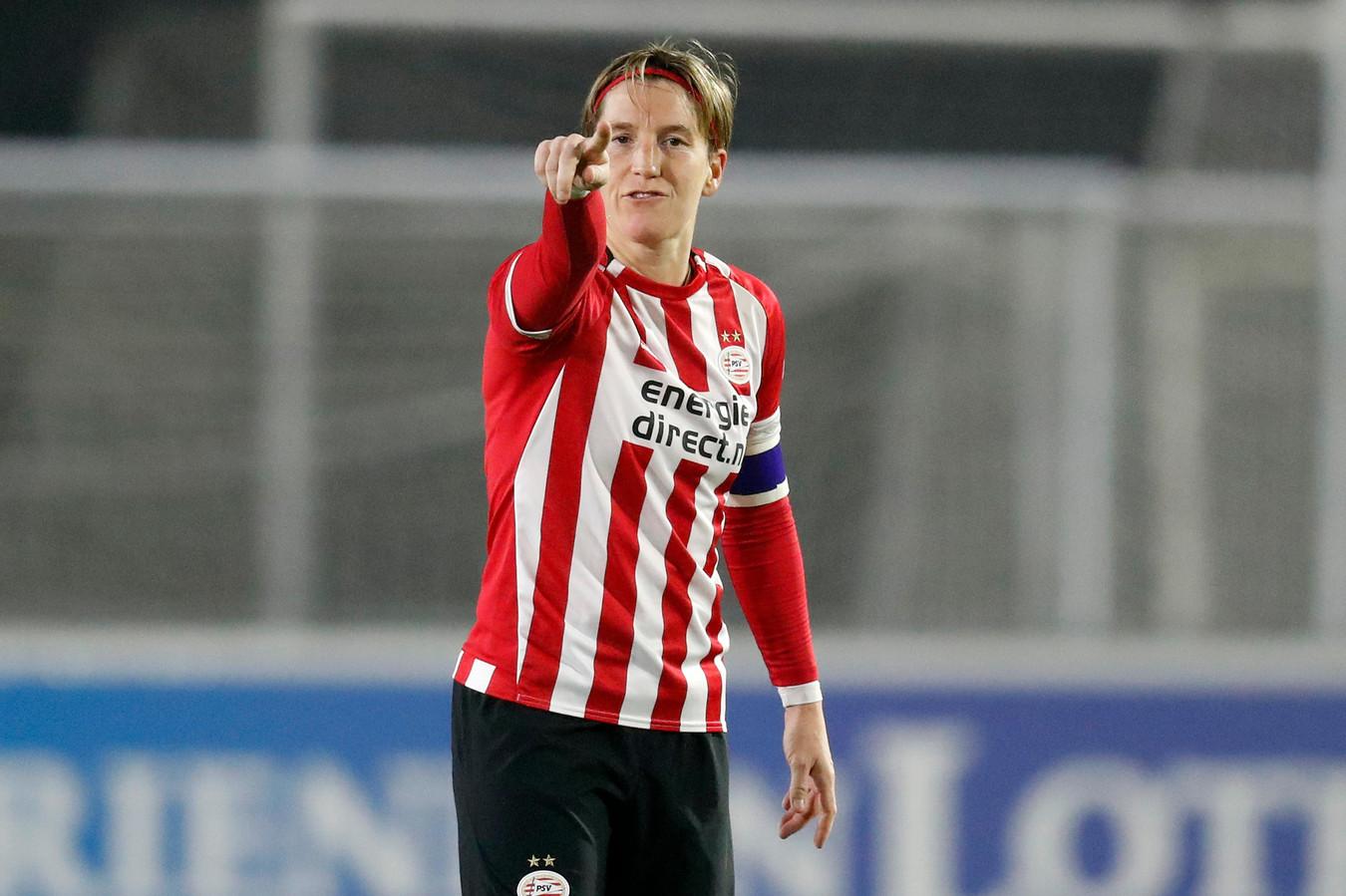 Aline Zeler, de Belgische routinier in de verdediging van PSV.