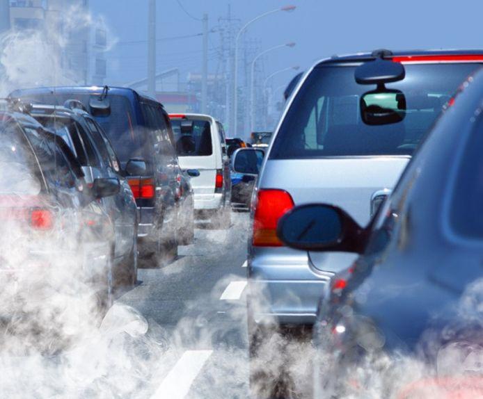 Autofabrikanten moeten miljarden euro's reserveren voor CO2-boetes.