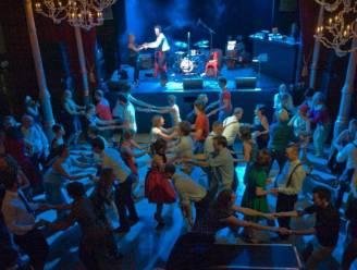 """Zaal Harmonie in Oudenaarde heropent zaterdag: """"Na anderhalf jaar eindelijk weer een leutig feestje bouwen"""""""