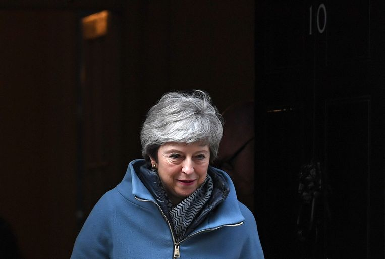 Brits premier Theresa May verlaat 10 Downing Street. Beeld AFP