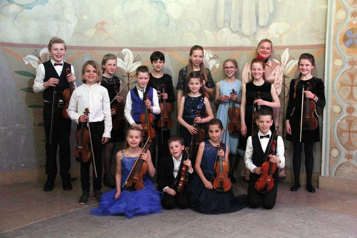 De jonge violisten van Vioollab Strings uit Amersfoort.