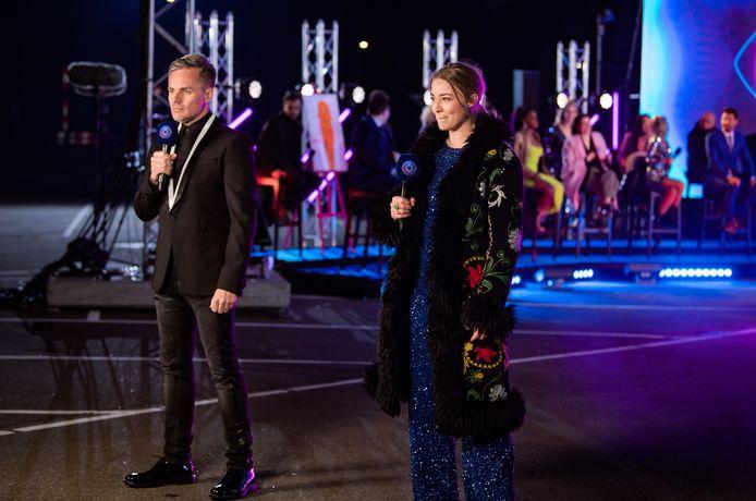 Peter Van de Veire en Geraldine Kemper leidden de finale van 'Big Brother' in goede banen.