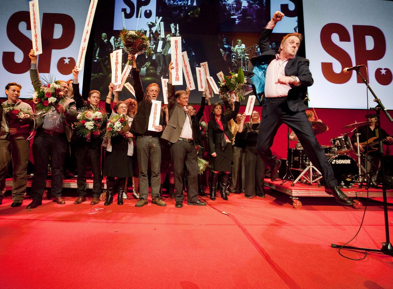 Bob Fosko op een congres van de SP in 2010. De vorig jaar overleden zanger maakte eigen muziek bij de partijcampagnes. Beeld GPD
