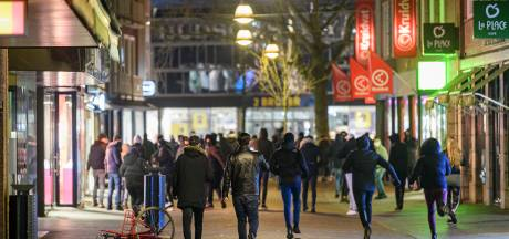 Rechtbank maakt korte metten met Enschedese avondklokrelschoppers