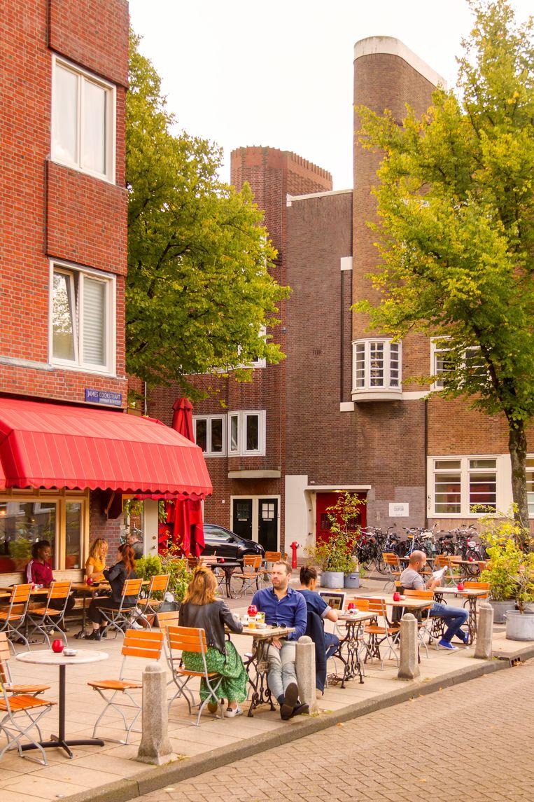 Café Cook naast de Jeruzalemkerk. Beeld Sander Groen