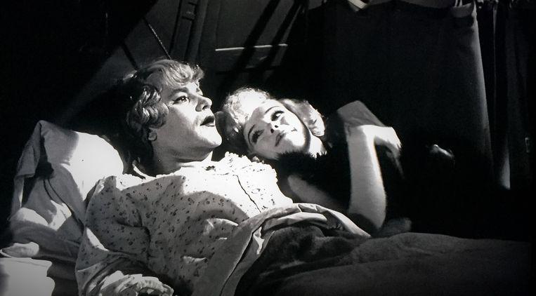 Jack Lemmon en Marilyn Monroe in Some Like it Hot (1959) van Billy Wilder Beeld null