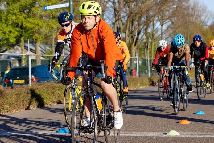 De wielerploeg van Jumbo Visma is op zoek naar de nieuwe Steven Kruijswijk of Tom Dumoulin. Jonge talenten kunnen meedoen aan open trainingen.