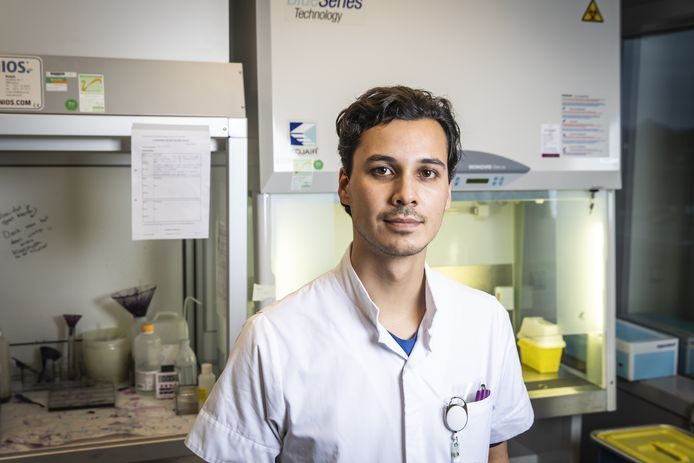 Daan Mohede afkomstig uit Enschede is arts in opleiding in het Dijklander Ziekenhuis in Hoorn. Hij is gepromoveerd op de ziekte van Peyronie.