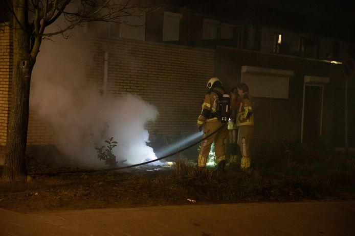 Politie doet onderzoek naar brandstichting in Roosendaal.