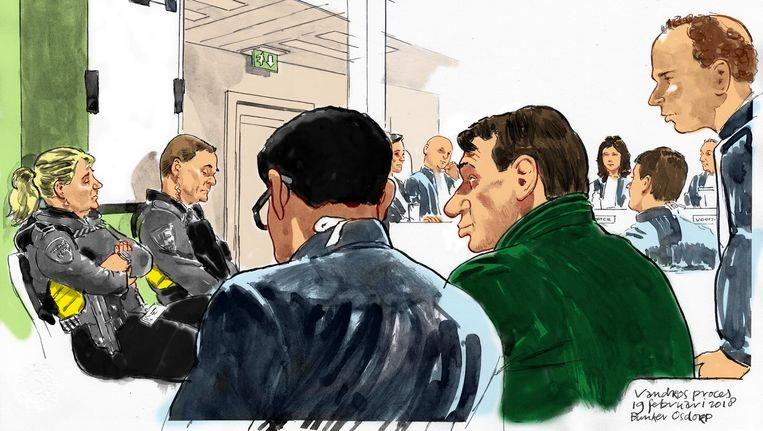Rechtbanktekening van een van de eerdere zittingsdagen in de zaak-Holleeder, met rechts in het groen Willem Holleeder. Beeld ANP
