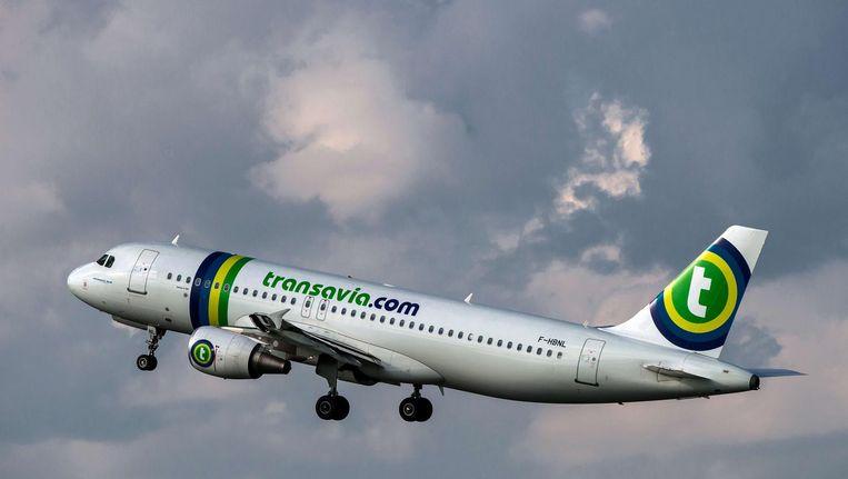 De piloten van Transavia gaan om middernacht het werk neerleggen uit onvrede over hun arbeidsomstandigheden. Beeld anp