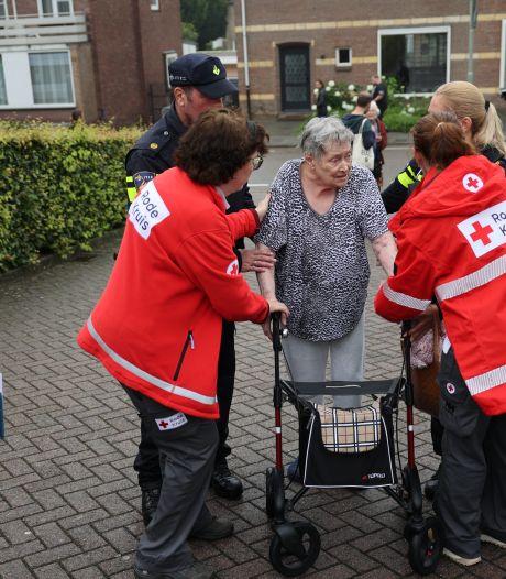 Nepcollectanten Rode Kruis vragen om geld voor watersnood