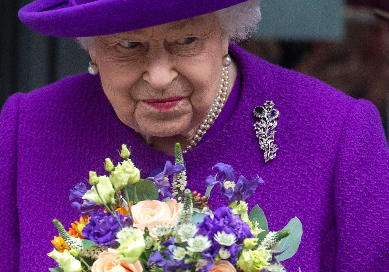 Queen Elizabeth heeft er geen idee van wat haar kant opkomt.