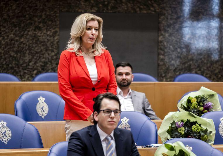 Liane den Haan (50Plus) tijdens de beëdiging als lid van de Tweede Kamer.  Beeld ANP
