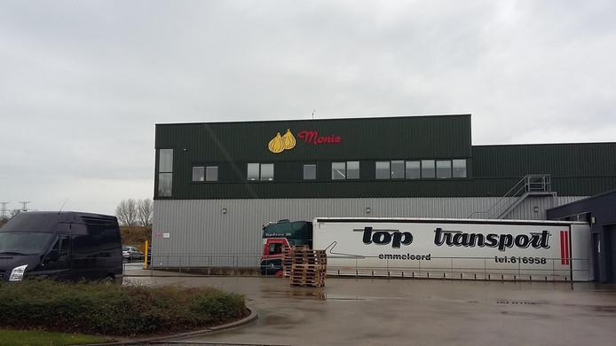 Uienopslagbedrijf Monie in Nieuwdorp.