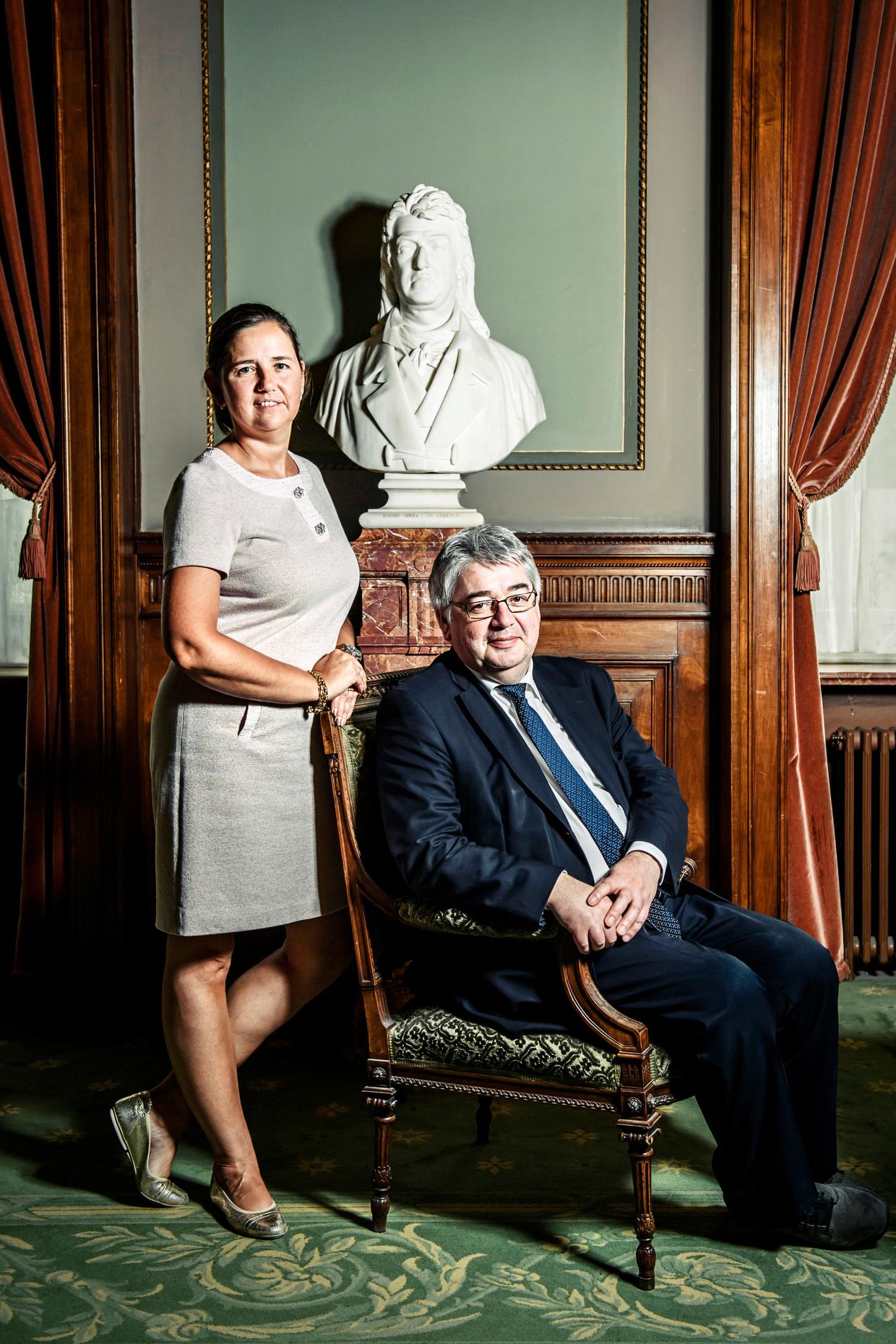 Hendrik Vuye en Veerle Wouters (beiden ex-N-VA), met wie hij kort een tweemansfractie vormde in het Parlement Beeld Geert Van de Velde