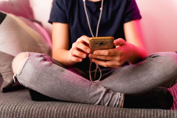 De meeste intimiderende opmerkingen krijgen meisjes te verduren op Facebook (39 procent) en Instagram (23 procent).