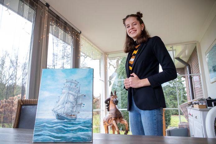 De 15-jarige scholiere Koosje Kooij wil volgend schooljaar meedoen met School at Sea, waarbij een zeilschip in een half jaar naar de Cariben zeilt en weer terug. Hiervoor heeft ze 25.000 euro nodig, dit geld wilt ze inzamelen door sponsering en een loterij.