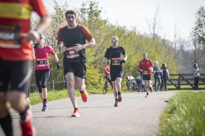 Op 16 mei gaan 5000 recreanten de 10 kilometer lopen op een afgeschermd terrein.