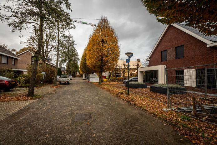Vier nieuwe woningen aan de Molvense Erven in Nuenen vallen verkeerd bij de omwonenden.
