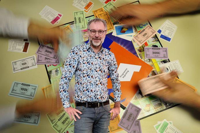 Het is de tijd van de jaarrekeningen en ontwerpbegrotingen. Columnist Wim van den Broek hoopt op meer zelfkennis van raadsleden.