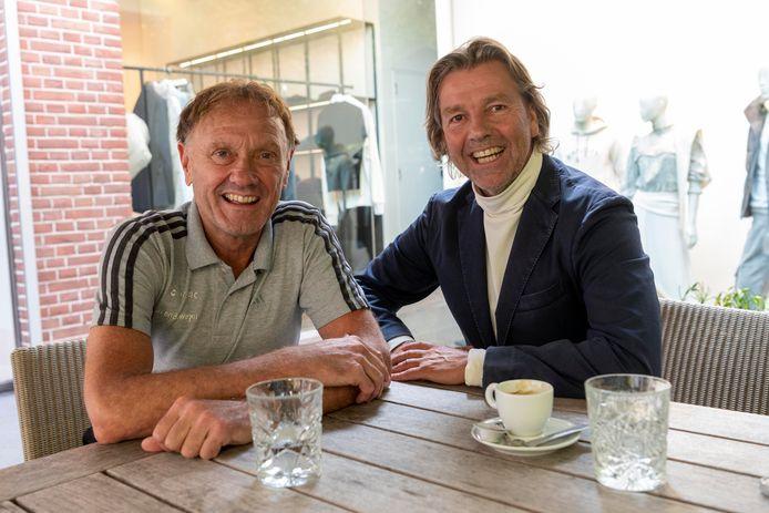Clemens Bastiaansen (links) en Tobias Slabbekoorn verbleven in de jaren zeventig op het voetbalinternaat van Willem II aan de Korvelseweg.