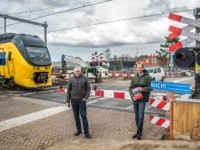 Sein bij verraderlijke spoorwegovergang 't Haantje staat voorgoed op rood: 'Er is hier zo veel gebeurd'