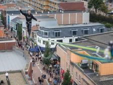 Een hoogtepunt van het Edese festival ZomerBries: op 32 meter hoogte het centrum van Ede over