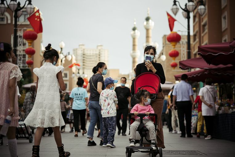 Met technologie van Huawei worden volgens onderzoeksbureau IPVM op straat in China burgers van een etnische minderheid, zoals Oeigoeren, geïndentificeerd.  Beeld Getty