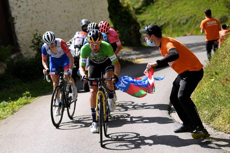 Primoz Roglic gaat aan kop in de Ronde van het Baskenland. Beeld Getty Images