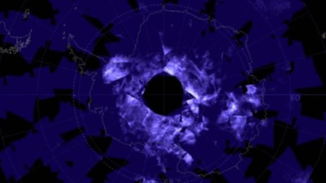 Vreemde blauwe wolken lichten hemel boven Zuidpool al enkele weken op. Wat heeft dit te betekenen?