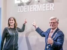 7,5 jaar burgemeester Aptroot in memorabele momenten: granaten voor de deur en bruidsparen lief feliciteren