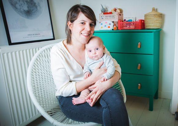 Baby Odile kwam op 24 november kerngezond ter wereld. Voor Fien en haar vriend is zij een klein mirakelmeisje.