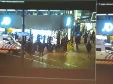 Elf jongeren aangehouden rondom Bijenkorf: messen, cocaïne, boksbeugel en vuurwerk