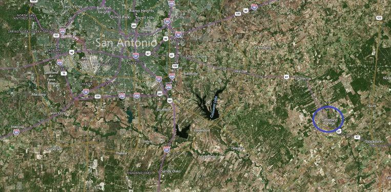 De plaats Sutherland Springs ligt op zo'n 65 kilometer ten zuidoosten van San Antonio. Beeld Bing Maps