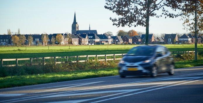 De wijk Repelakker in Zeeland gezien vanaf de Bergmaas.