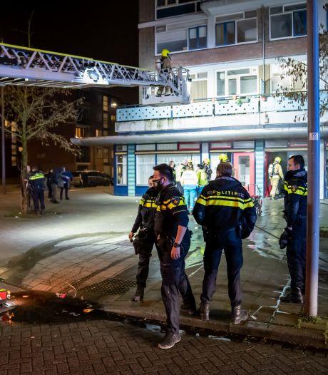 Vuurwerkbom laat bewoners van getroffen flatgebouw sidderen. 'Ik leef hier met een angstgevoel'