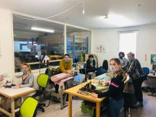 Mondkapjes naaien in heel Maas en Waal, ook stofzuigerzakken zijn welkom