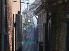 Brand in houten schuurtje in Liempde, flink wat rook in de buurt