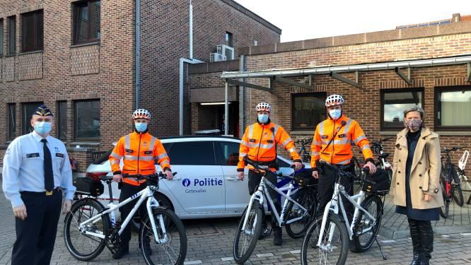 """Succesvol fietsteam heeft nieuwe fietsen: """"We zien, horen én ruiken veel meer dan een patrouille in een wagen"""""""