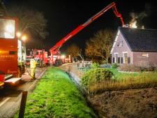 Bewoners van woning in Loenen schrikken van rookmelders: brand boven het plafond