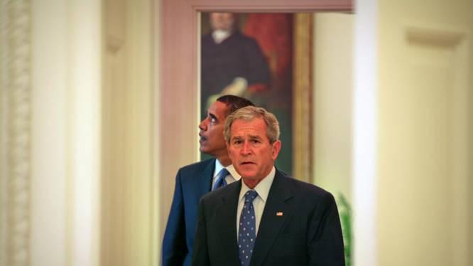 """EXCLUSIEF. Obama over zijn eerste bezoek aan het Witte Huis en de ontvangst door Bush: """"Het is een hels karwei. Met niets te vergelijken"""""""