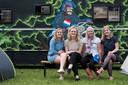 Sophie Klaesgenberg (21), Lauren Nijman (20), Ghislaine Koers (21) en Loes Platenkamp (20) uit Almelo. Foto Jan Ruland van den Brink