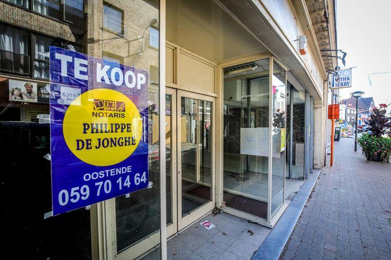 Onder andere in de Oostendestraat staan verschillende winkels leeg.